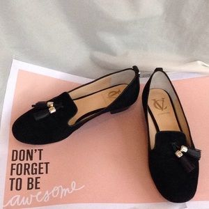 VC Signature Black Loafers size 7